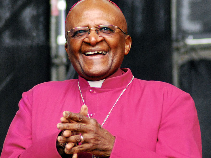 South Africa's Desmond Tutu admitted in hospital