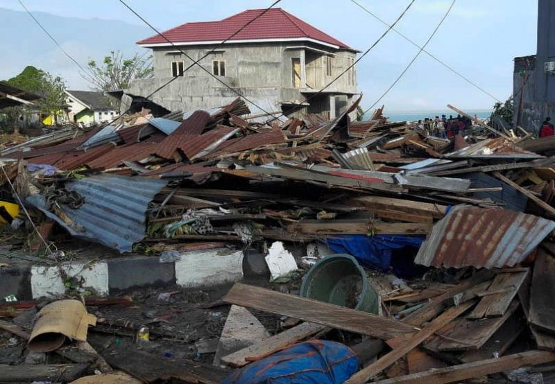 Indonesia earthquake, tsunami deaths climb to 384