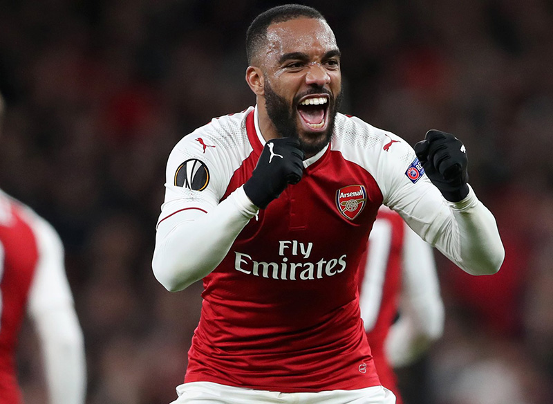Lacazette, Ramsey star as rampant Arsenal make it nine in a row
