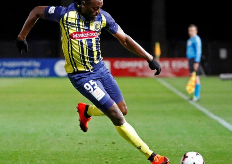 Usain Bolt impresses football fans with first professional goals