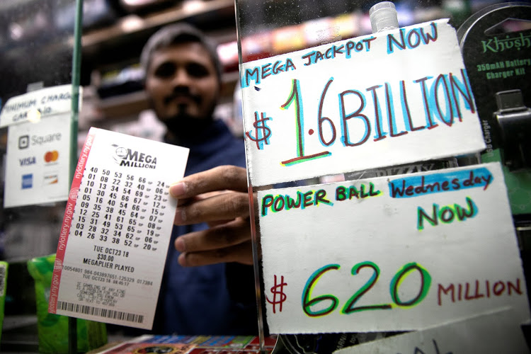 One winning ticket in record US$1.6 bln lotto jackpot