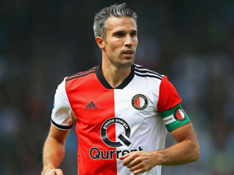 Van Persie expects to retire at end of the season
