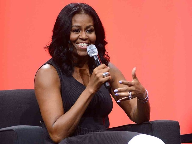 Michelle Obama's memoir sells more than 725,000 copies