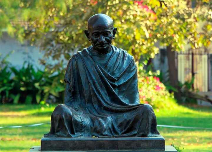Malawi court halts 'racist' Gandhi statue plan; project set to cost US$10m