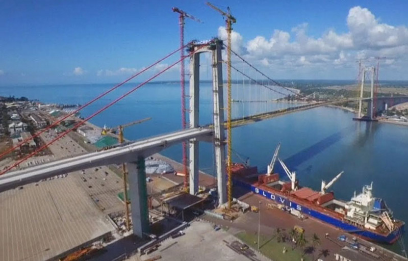 Mozambique opens $785m Chinese bridge