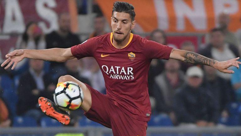 Roma midfielder's agent denies Manchester United move