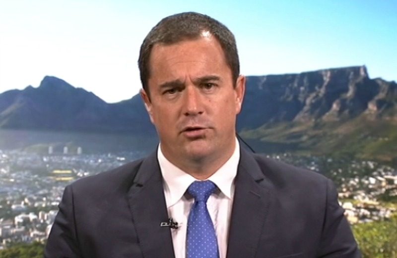 Twitter feasts on South African minister without a degree