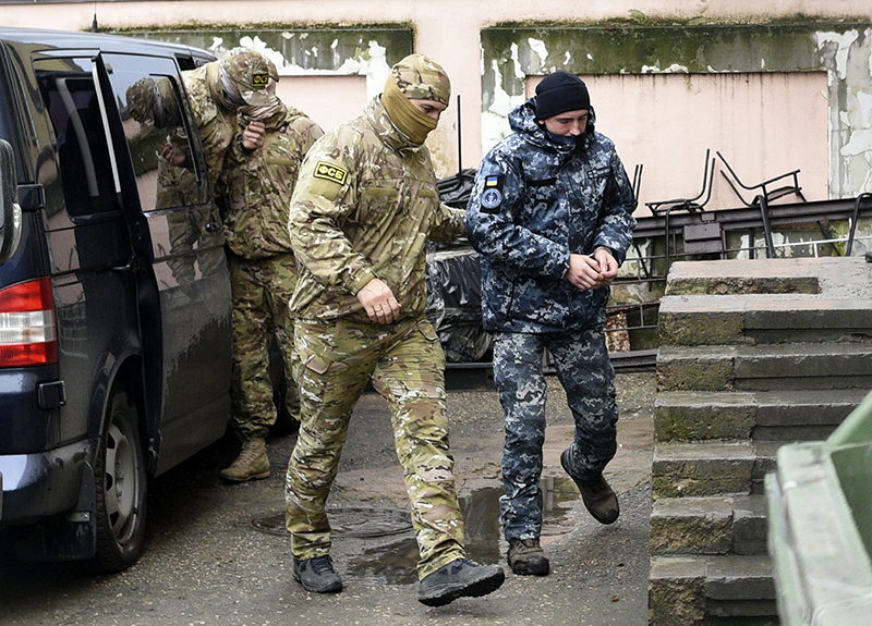 Russia starts prosecuting Ukrainians after sea clash