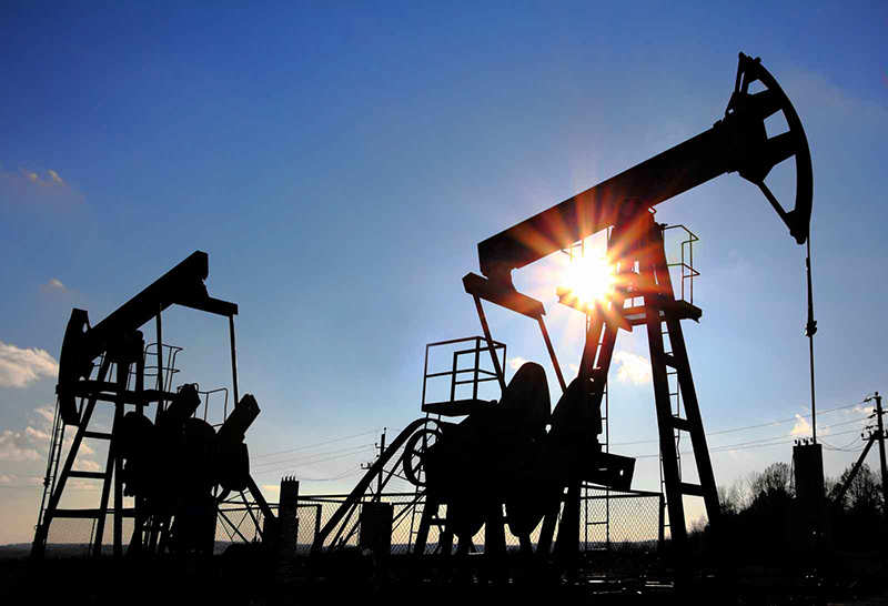 Oil producers join forces and cut production again
