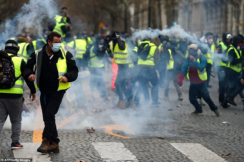 France to ban masks at protests amid unrest