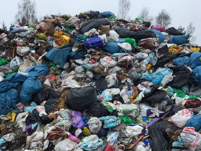 Africa's solid waste is growing, posing a climate threa