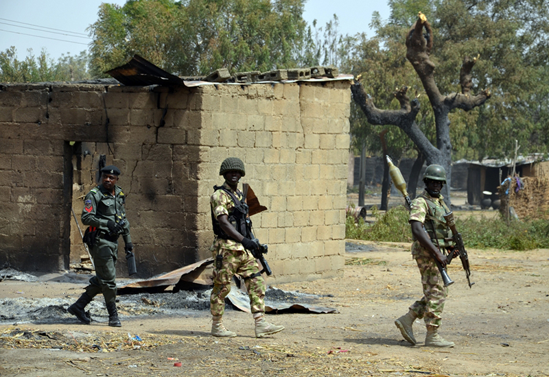 Extremists seize Nigerian town and key military base