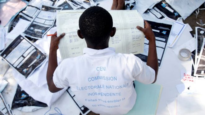 DR Congo election: Government blocks 'pro-opposition TV'