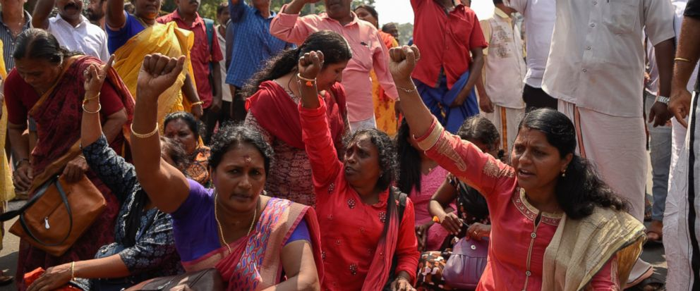 Millions of Indian women form chain for gender parity