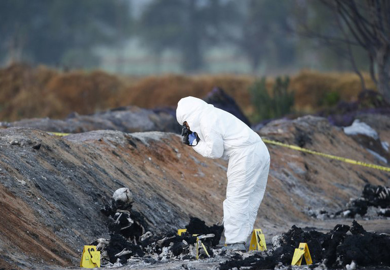 Mexican pipeline explosion kills 73, leaves nightmare of ash