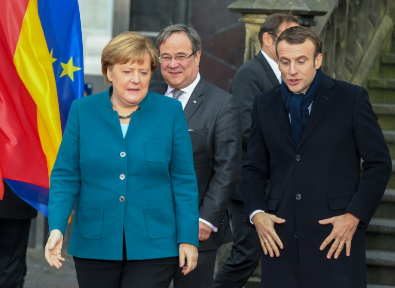 France, Germany strengthen treaty ties to tackle EU crisis