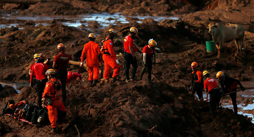 Families dig to find loved ones in Brazil dam collapse