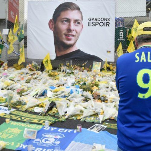 Emotional funeral for Sala held in his Argentine hometown