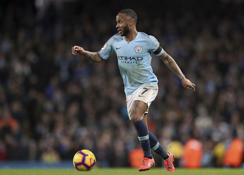 Man City beat Palace to temporarily top EPL