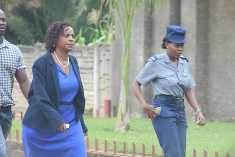 ICT secretary's wife arrested while recording Supa's trial with phone
