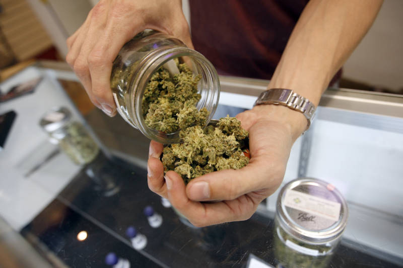 US Congress urged to fully open banks to marijuana industry
