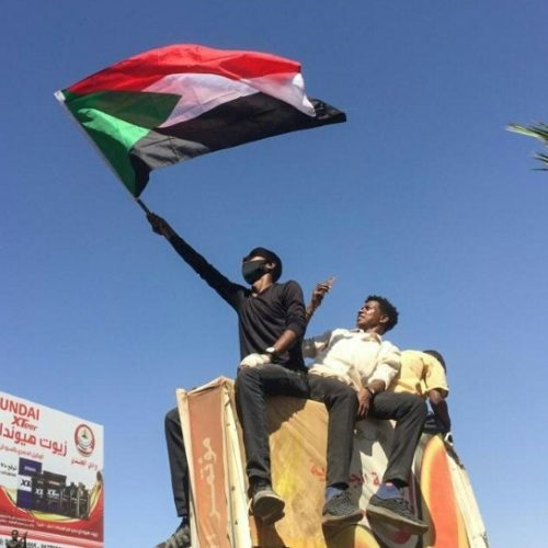 Sudan army deploys as protesters keep pressure on Bashir: witnesses