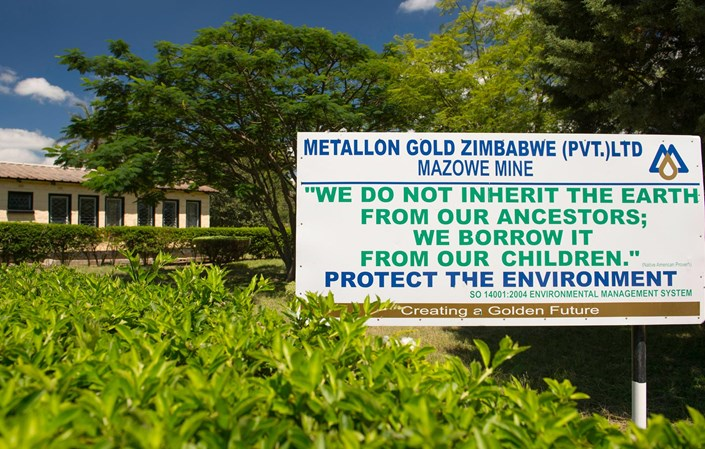 Metallon halts output at three Zim gold mines over debts