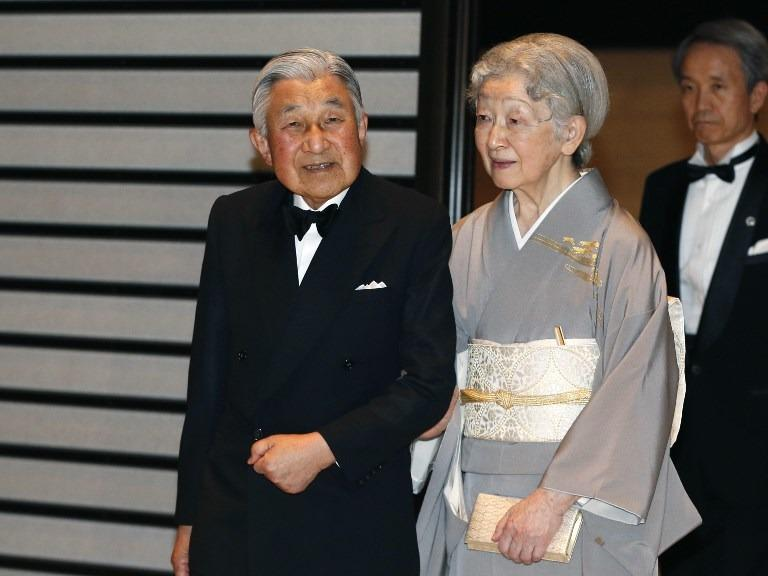 Japanese Emperor Akihito begins historic abdication