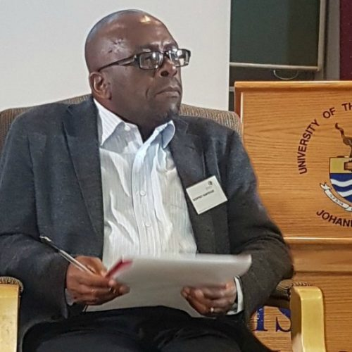Top economist warns Ncube against ill-treating tobacco farmers