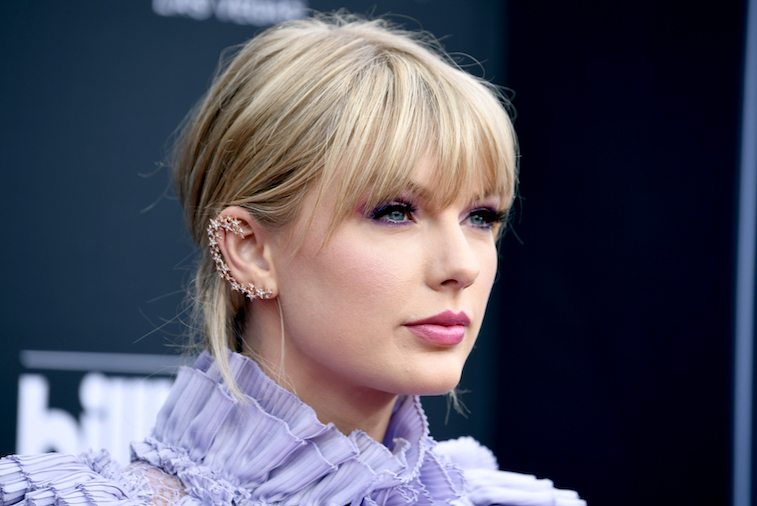 Taylor Swift teases details of new album
