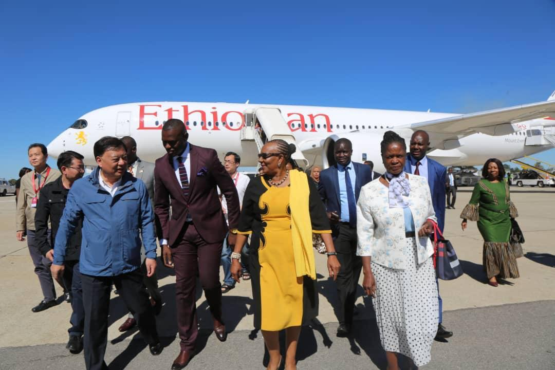 Rich pickings for Great Zim curio vendors as Chinese tourists descend on province