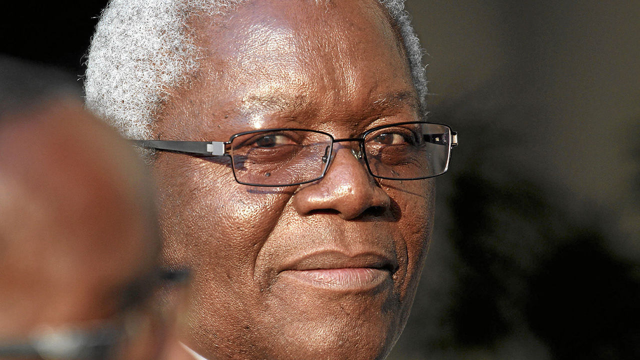 Chombo horror as passport seized while boarding plane to SA
