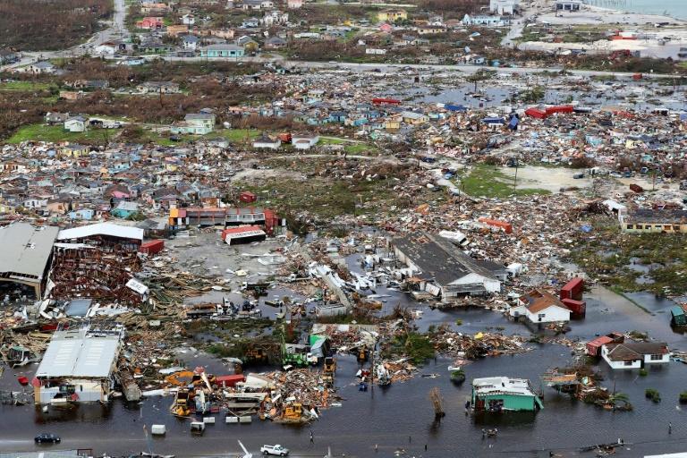 Hurricane Dorian lashes US east coast