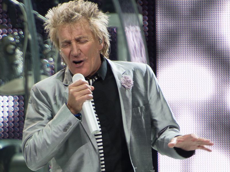 Sir Rod Stewart says he's 'in the clear' after cancer diagnosis
