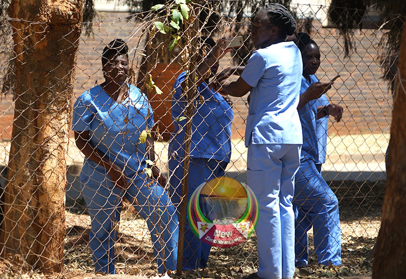Doctors demo blocked by police – pictures