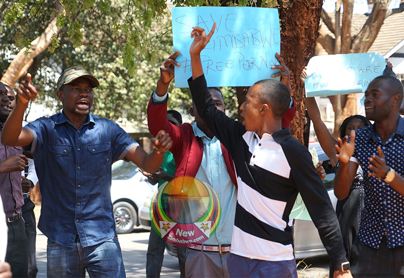 WATCH: MDC Alliance Youths Turn Cadre's Funeral Into An Anti-Govt Protest