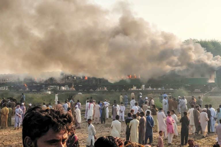 At least 71 killed in Pakistan train fire