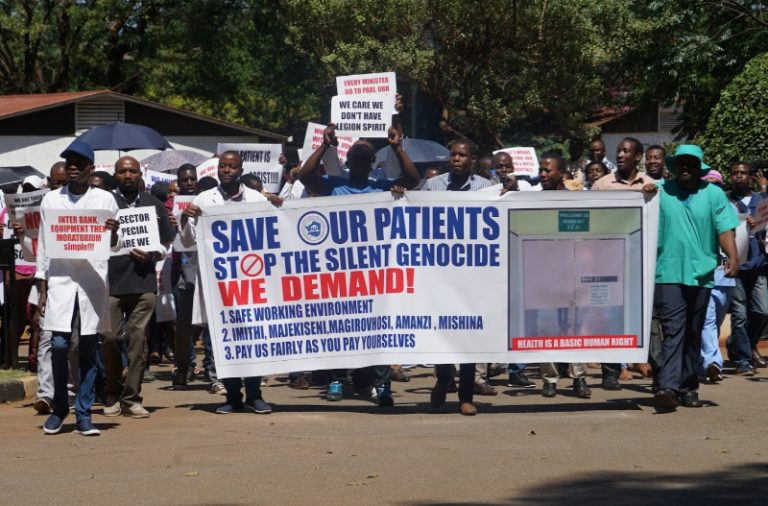 Zim doctors accuse govt of 'second hand' hospital equipment imports