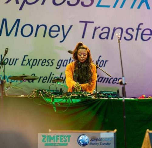 Express Links to round off year with festive cheer