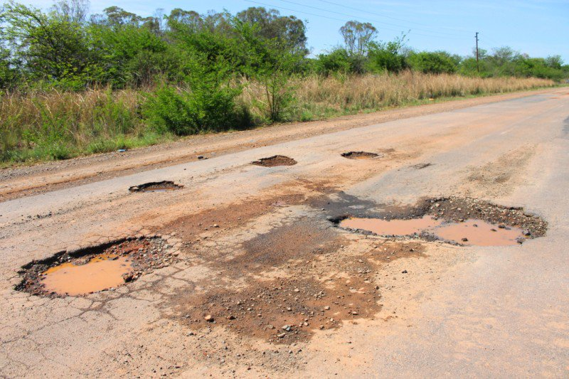 70 percent of Bulawayo roads in a bad state – Mayor