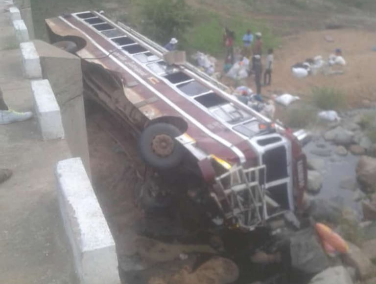 Three Feared Dead, Several Injured In Two Vic Falls, Nkayi Bus Accidents