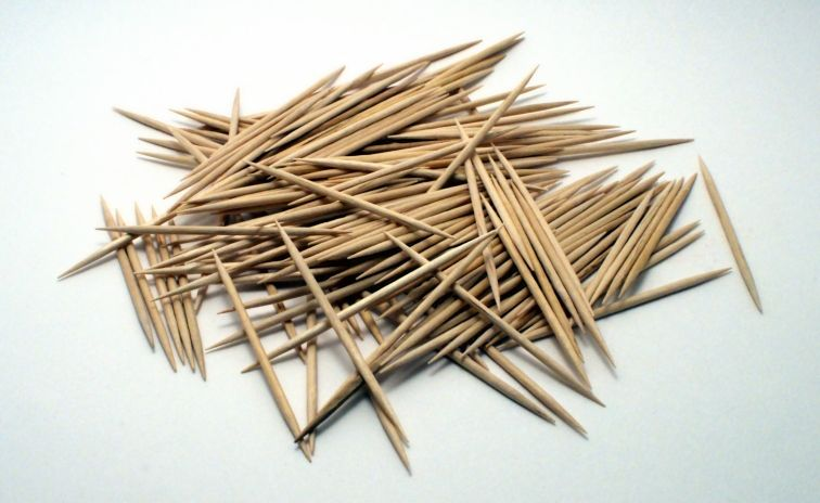 Zimbabwe Gobbles US$105m On Toothpicks, Chewing Gum Imports