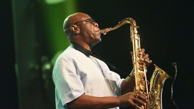 Manu Dibango: African saxophone legend dies of Covid-19