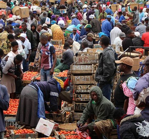 WATCH: Business As Usual At Mbare Musika As Thousands Of Traders, Buyers Mingle