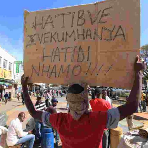 WATCH: Vendors Vow To Defy Govt's 21-Day Lockdown Decree