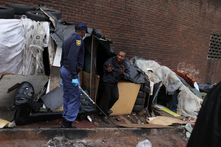 SA Police Threaten Hillbrow's Homeless With Assault To Enforce National Lockdown