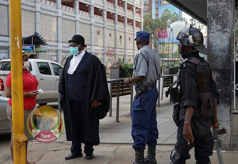 Anti-riot police block Biti from addressing media at Harvest House