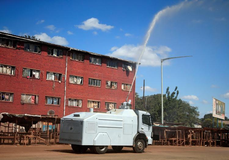 Zimbabwe uses water cannons as weapons against coronavirus