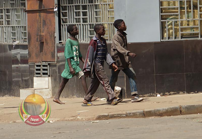 Harare Motorists Sodomising Street Boys