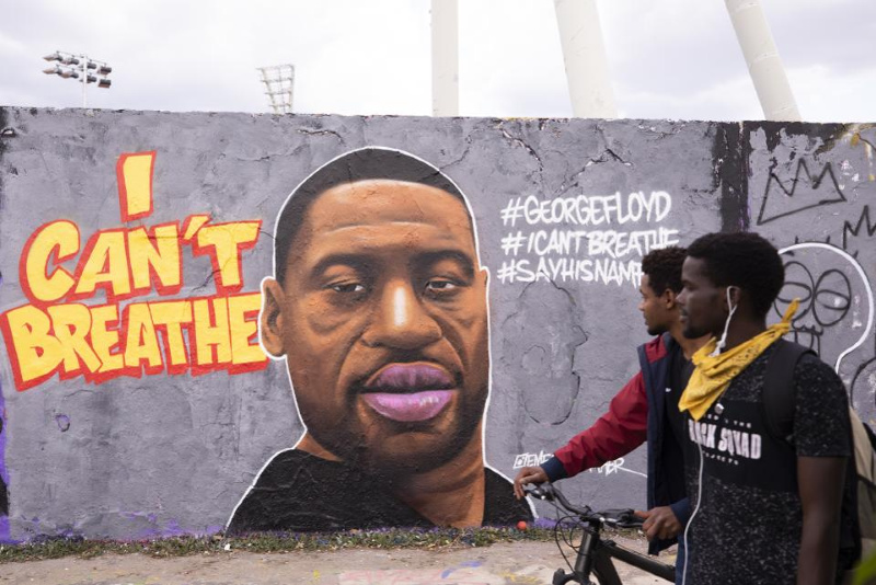 George Floyd death: Clashes as protests spread across US